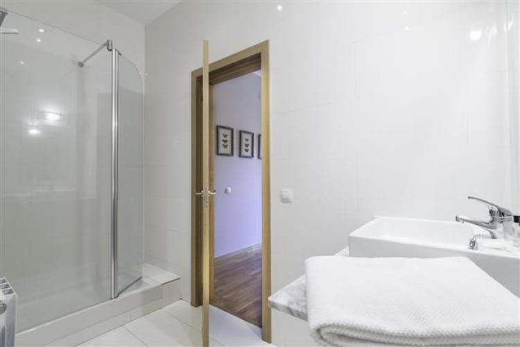 Barcelona Apartment Charming-bath