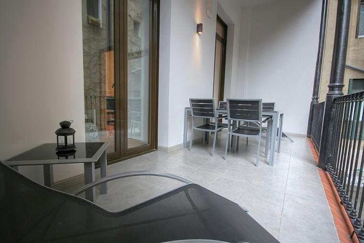 Barcelona Apartment Modern-LR